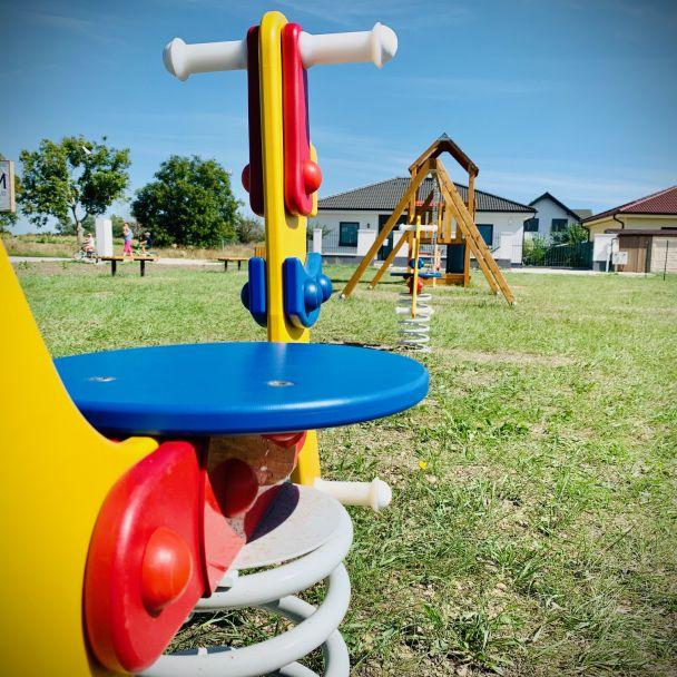 Nové detské ihrisko v Záhradách
