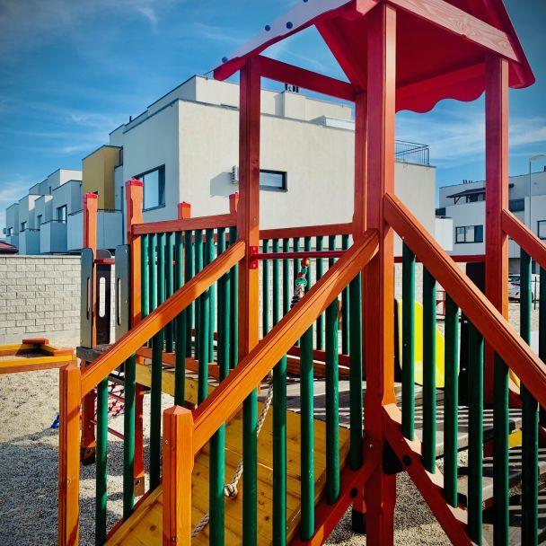 Nové detské ihrisko vo Hviezdnom bývaní