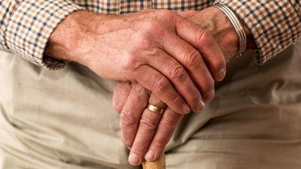 MESIAC ÚCTY K STARŠÍM - pozvánka na besedu pre seniorov s ochutnávkou domáceho pivka