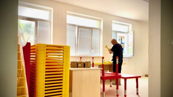 V nových triedach MŠ rastie do krásy i nový nábytok